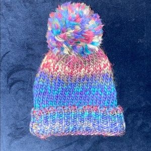 NWT CLAIRES ONE SIZE POM POM WINTER KNIT HAT